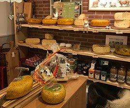 13.  Boerendijk kaas